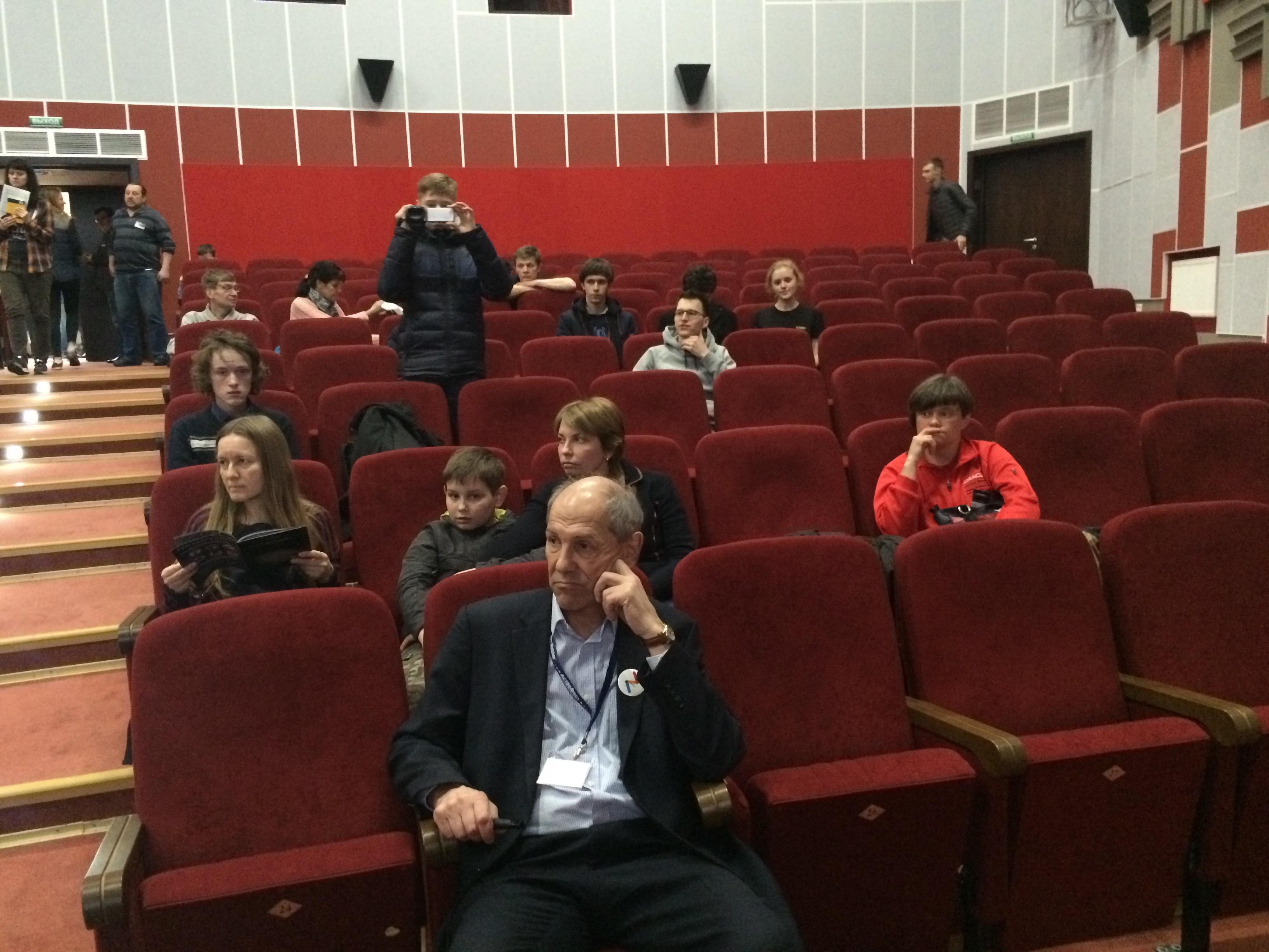 На лекции академика Валерия Рубакова