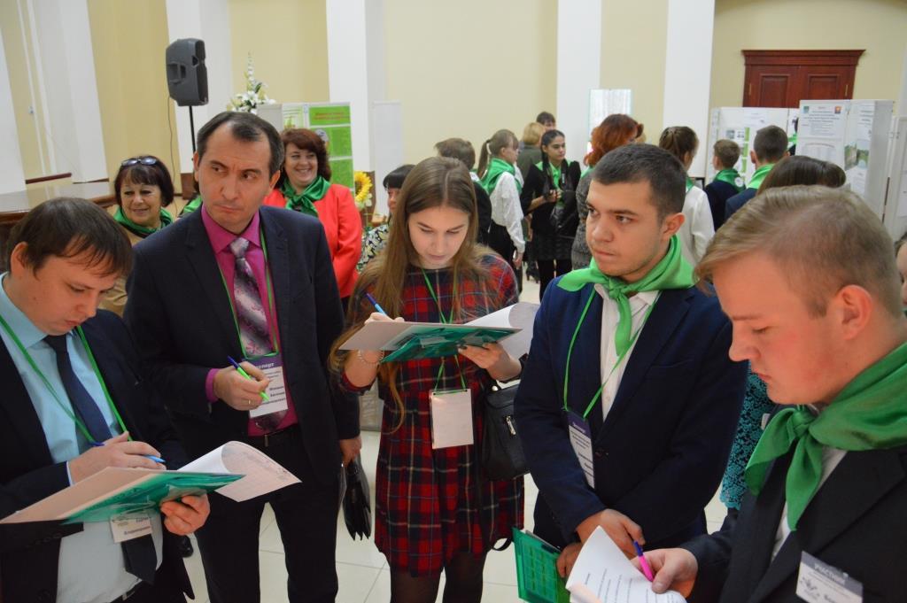 Кирилл Заведенский в составе жюри оценивает проекты