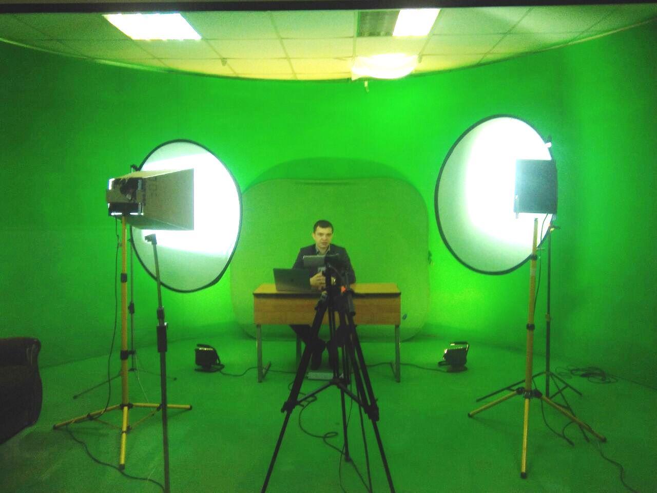 А так в виртуальной студии