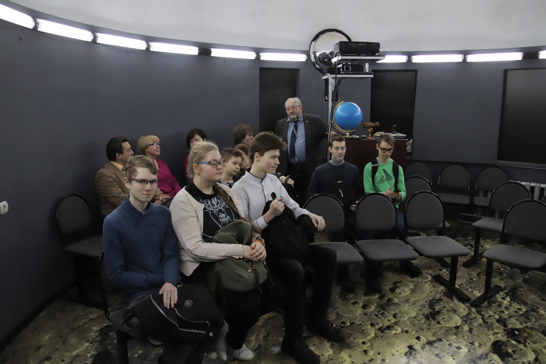 О цифровом планетарии администрации и учащимся московской школы 2097 рассказывает учитель астрономии И.С.Царьков