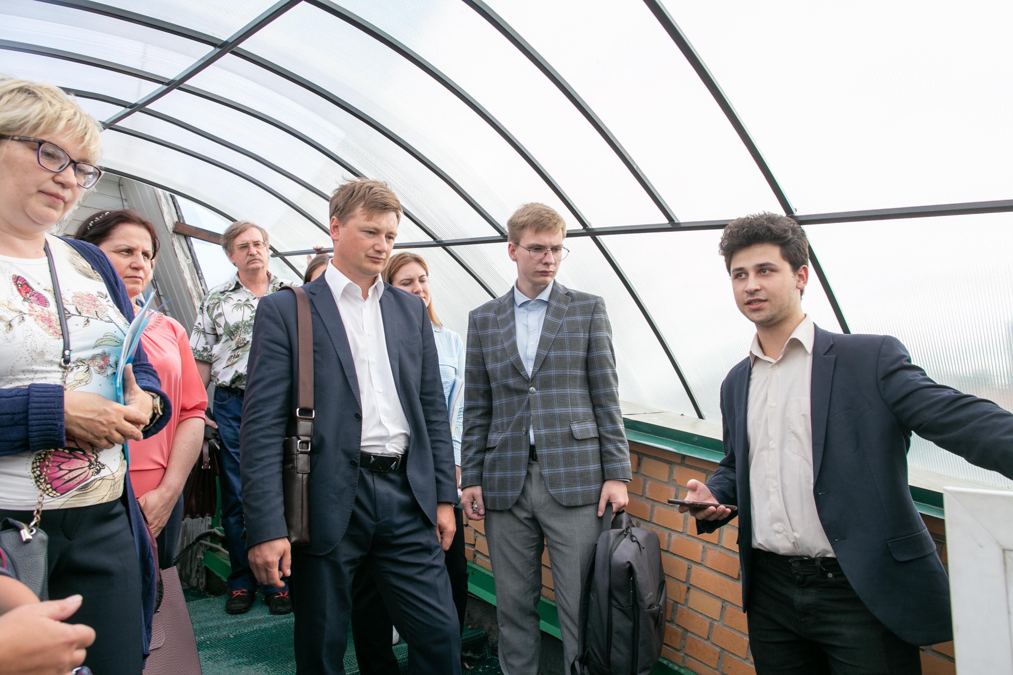 Никита Самойлов знакомит гостей сплатформой интернета вещей на примере удаленной обсерватории