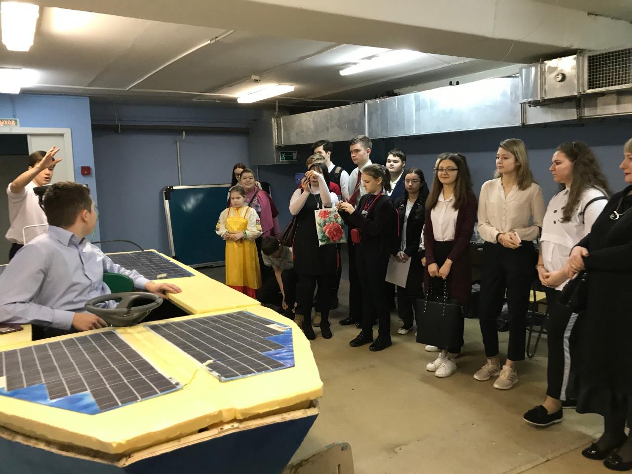 Демострация проекта на конкурс Юниор Исследовательское судно на солнечных батареях